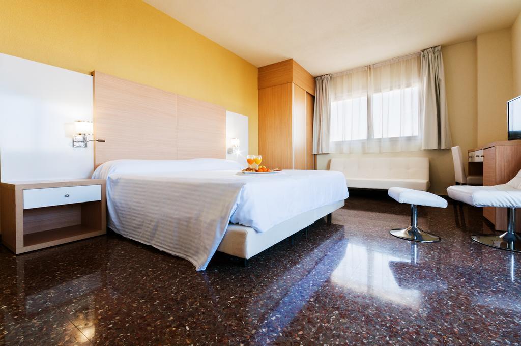 Отель Fontana Plaza Испания Торревьеха