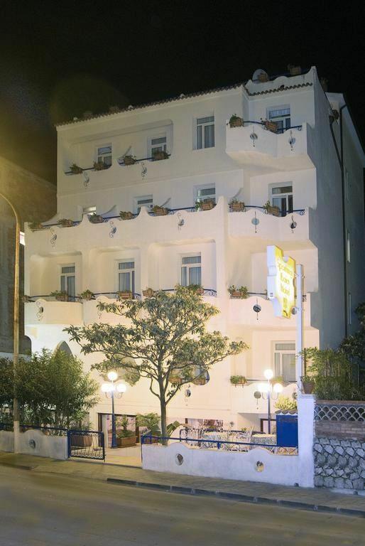 Villa Athena Джардини-Наксос