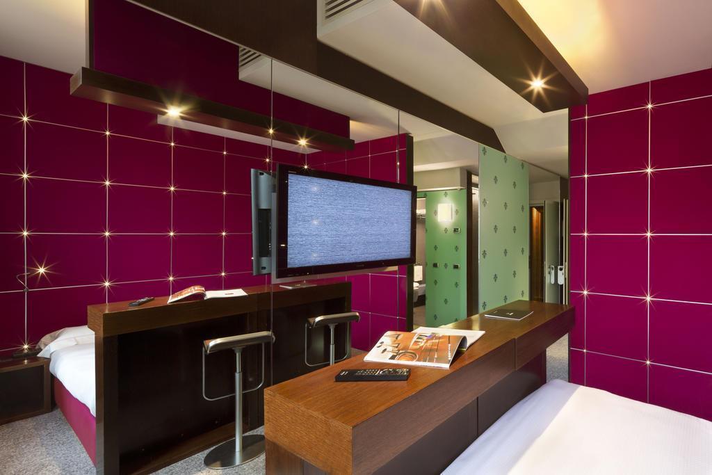 Отель Una Hotel Vittoria Флоренция