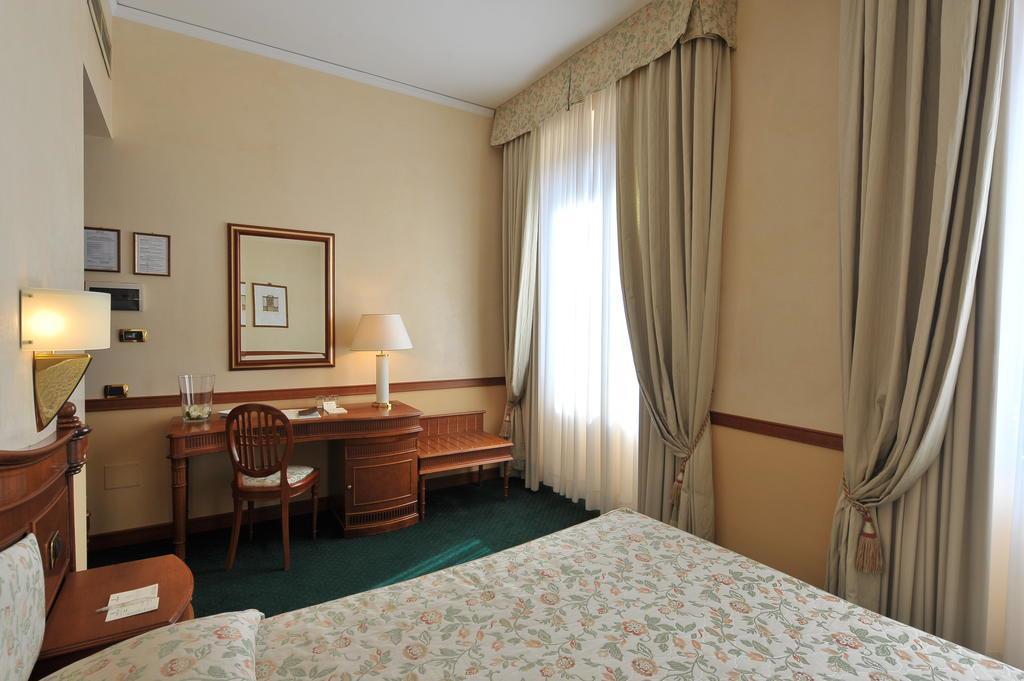 Отель Degli Orafi Флоренция