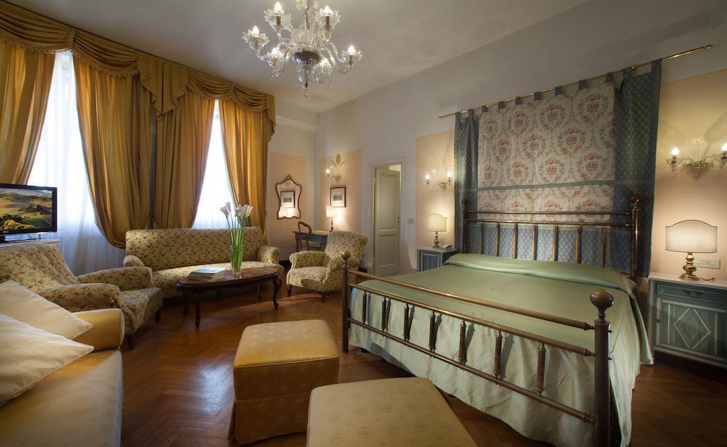 Отель Tornabuoni Beacci Флоренция