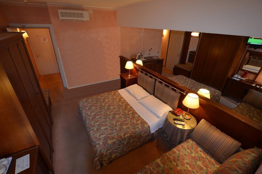 Отель Astro Италия Линьяно-Саббьядоро