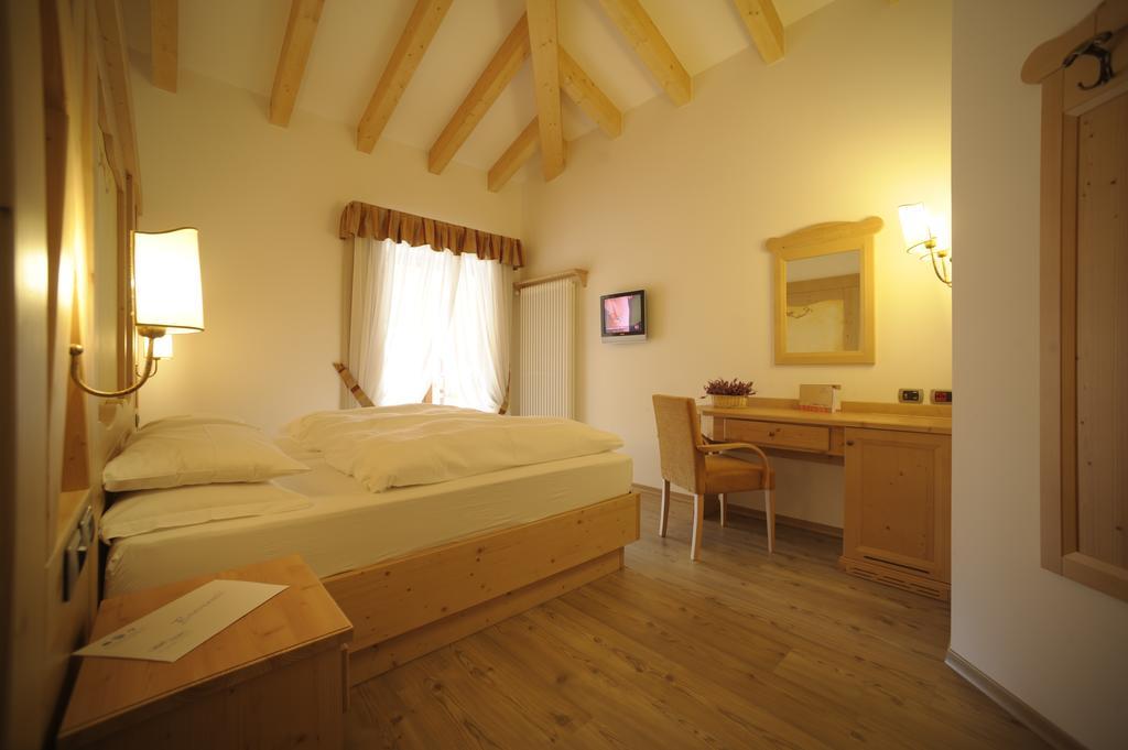 Отель Ambiez Residencehotel Мадонна-ди-Кампильо