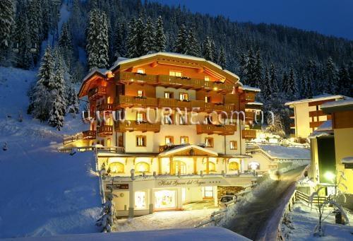 Отель SPINALE HOTEL Мадонна-ди-Кампильо