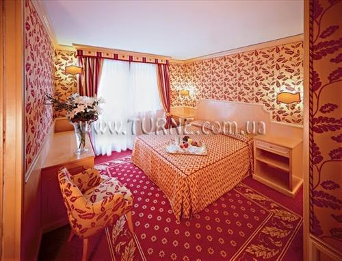 SPINALE HOTEL Мадонна-ди-Кампильо