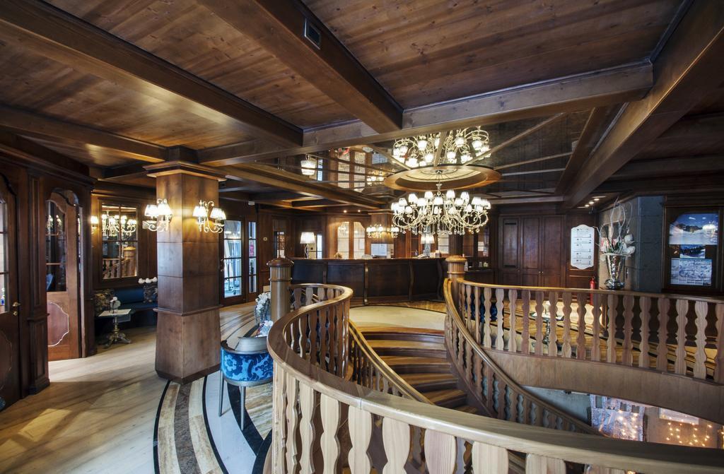Отель Cristal Palace Мадонна-ди-Кампильо