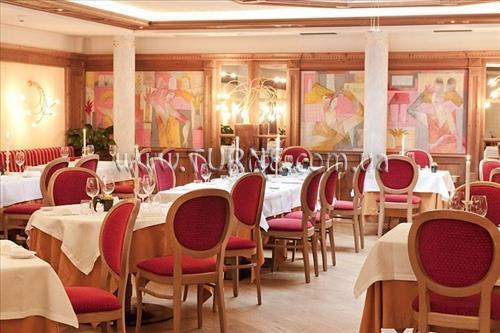Отель Alpen Suite Италия Мадонна-ди-Кампильо