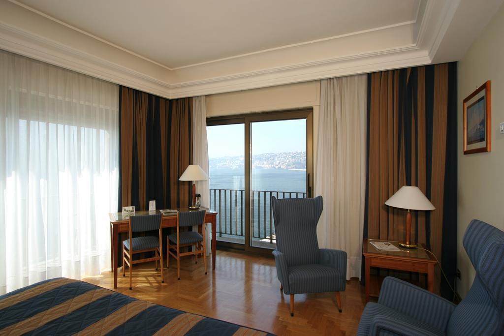 Отель Royal Continental Неаполь