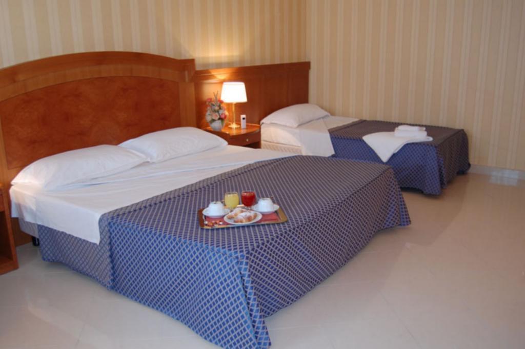 Отель Joyfull Италия Неаполь