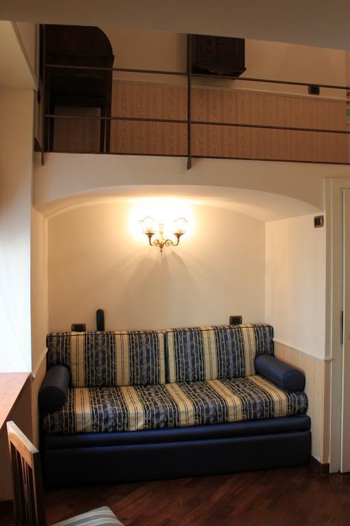 Фото Hotel Suite Esedra Неаполь