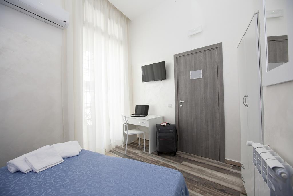 Отель Orsa Maggiore Неаполь