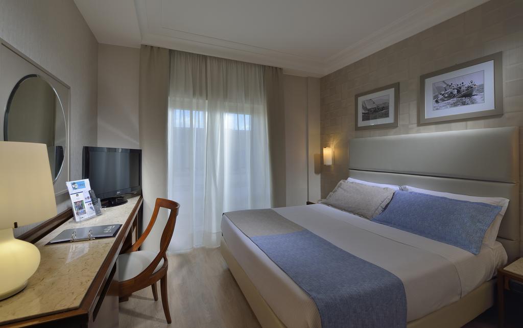 Отель Best Western Hotel Paradiso Неаполь