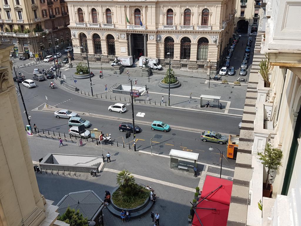 Отель Hotel Le Orchidee Неаполь