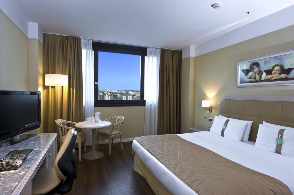 Фото Holiday Inn Naples Неаполь
