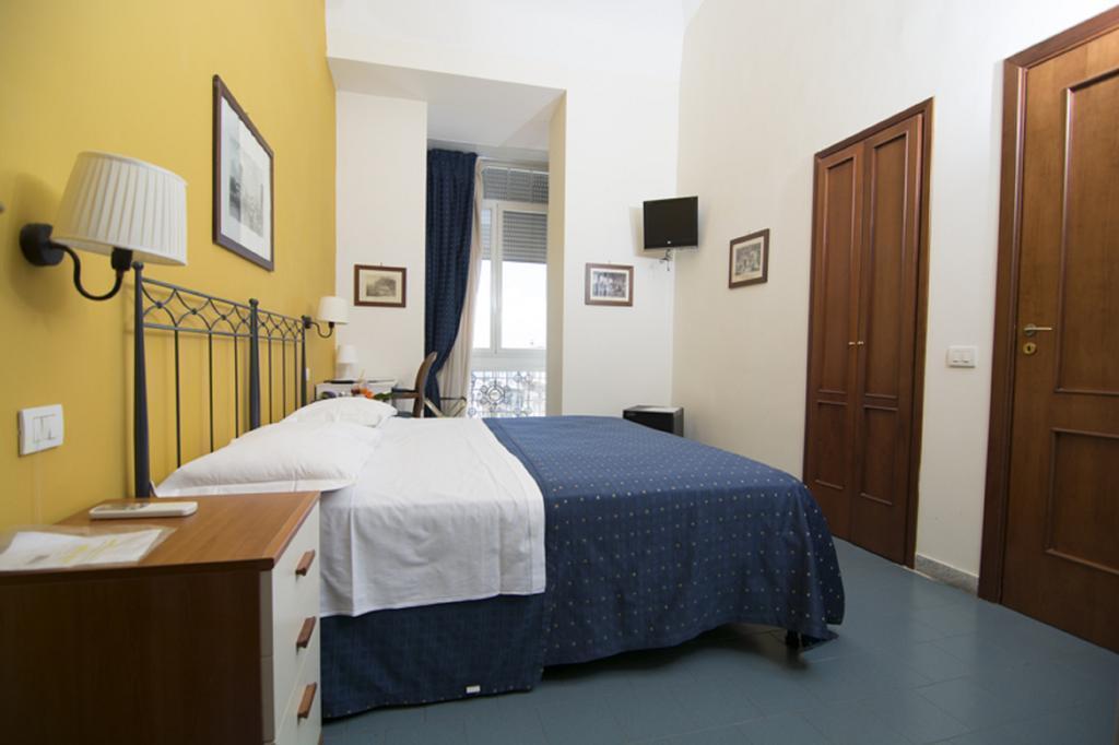 Фото Villa Margherita Неаполь