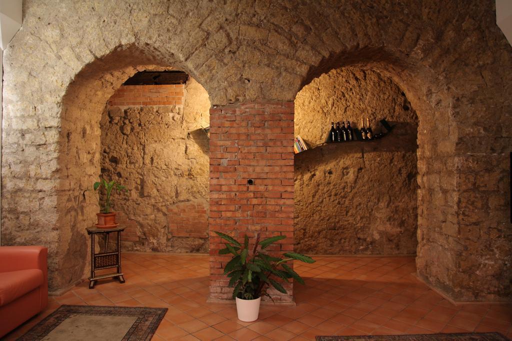 Caravaggio Hotel Италия Неаполь