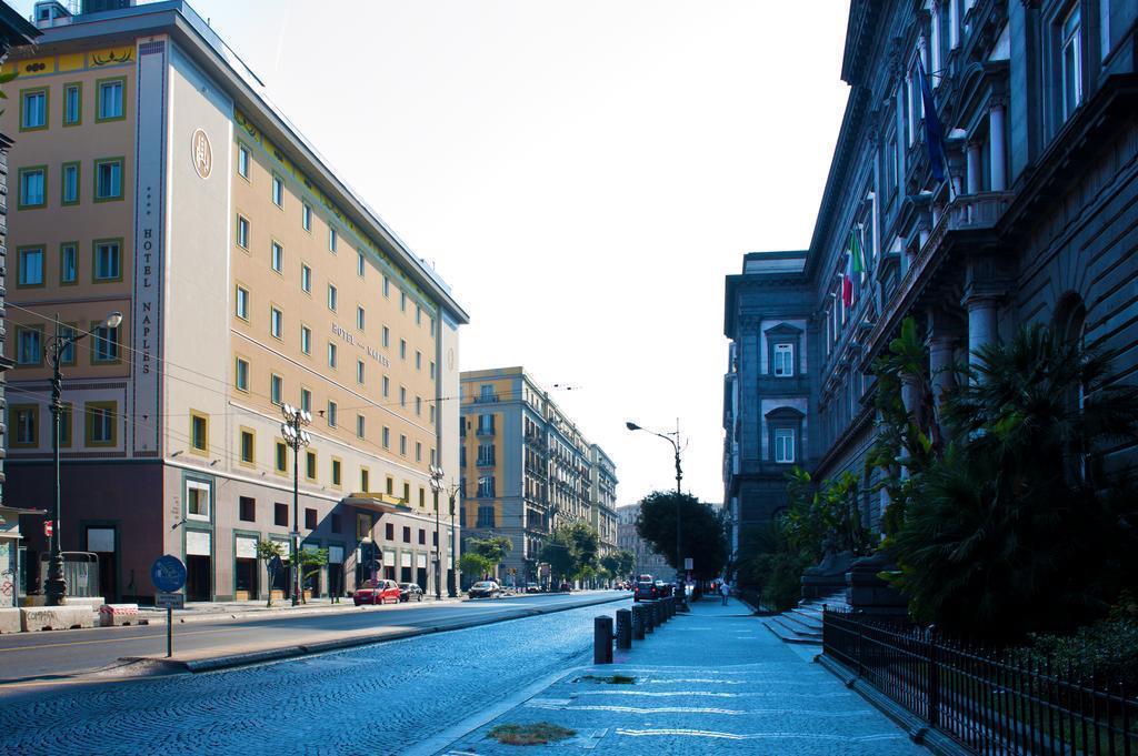 Фото Hotel Naples