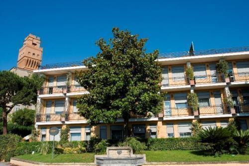 Отель Culture Hotel Villa Capodimonte Неаполь