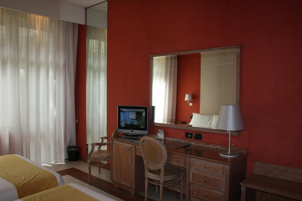 Фото Culture Hotel Villa Capodimonte Италия Неаполь