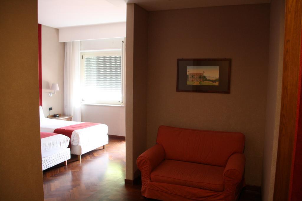 Фото Culture Hotel Villa Capodimonte Неаполь