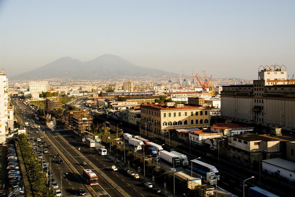 Фото Palazzo Salgar Италия Неаполь