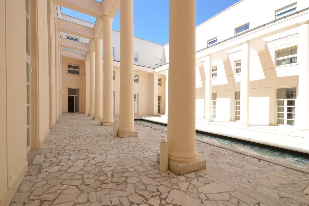 Фото Palazzo Esedra Италия Неаполь