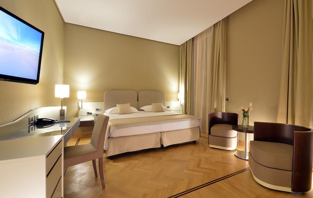 Отель Palazzo Esedra Италия Неаполь