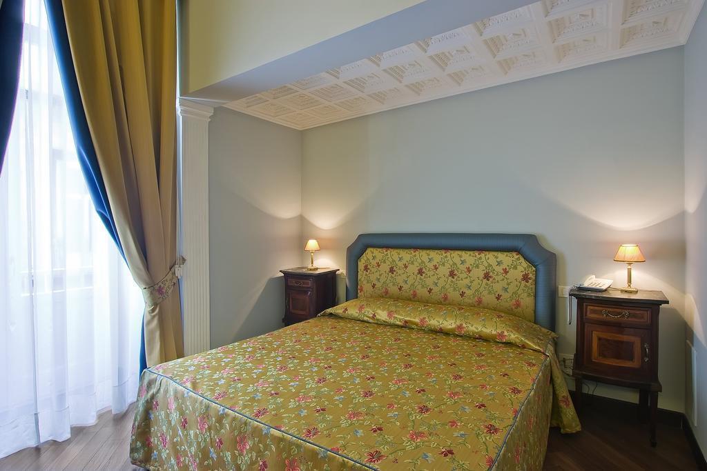 Отель Decumani Hotel De Charme Неаполь