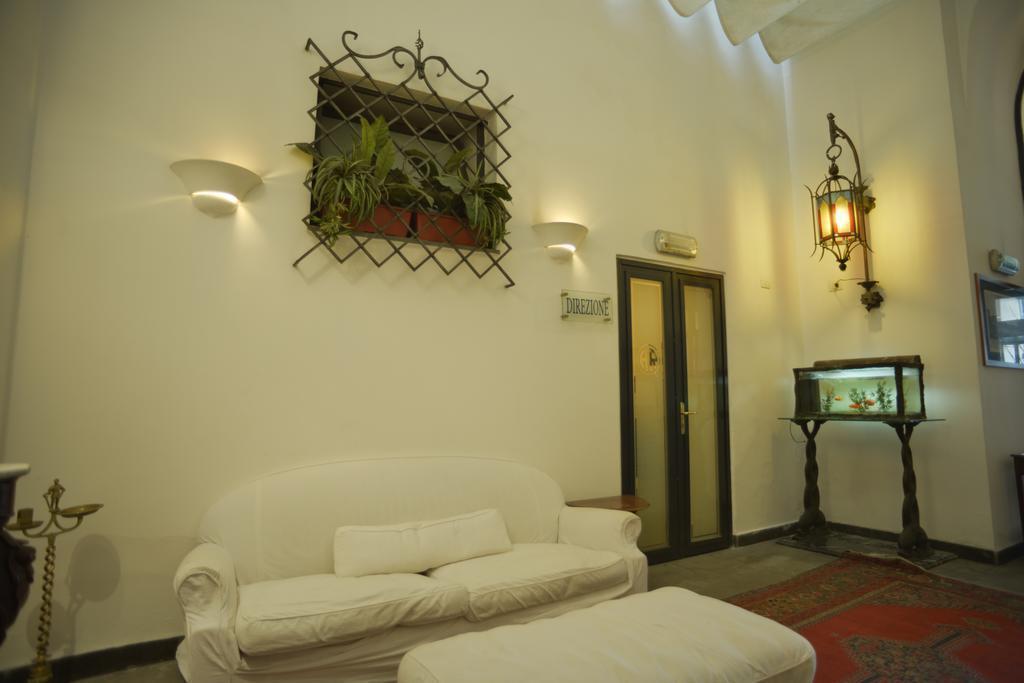 Отель Del Real Orto Botanico Неаполь
