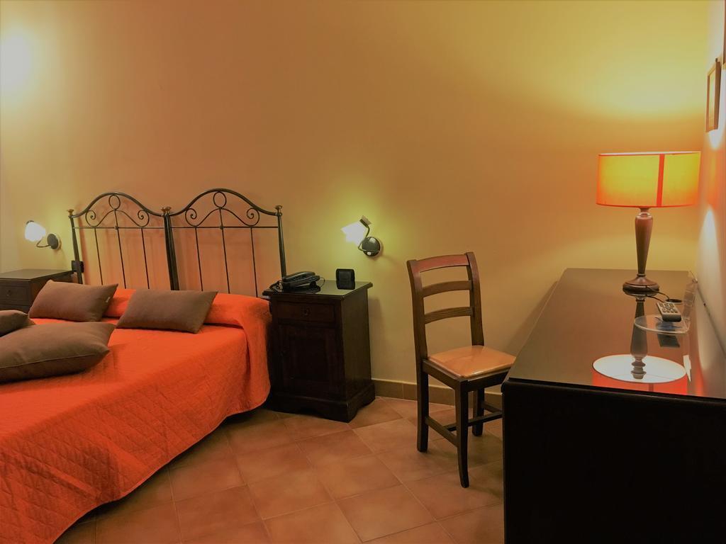 Отель Neapolis Неаполь