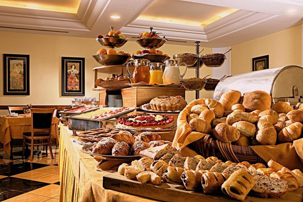 Отель Ramada Naples Италия Неаполь