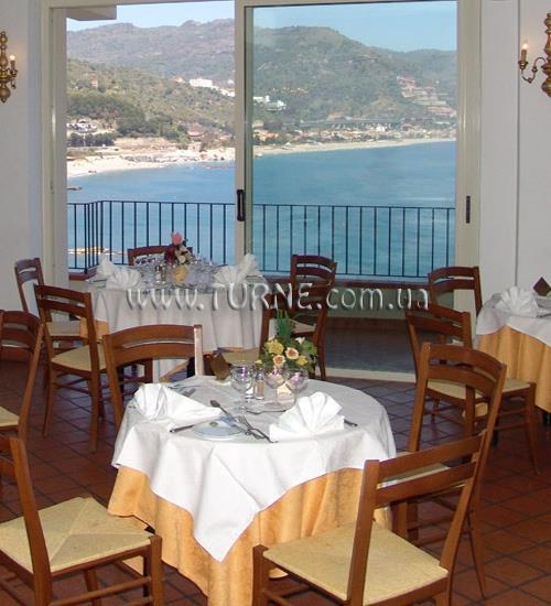 Bay Palace о. Сицилия