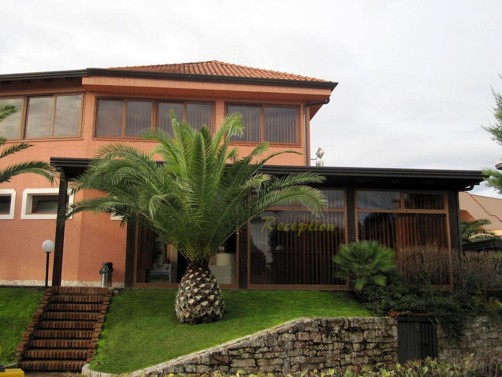 Отель Club Baia Di Tindari о. Сицилия