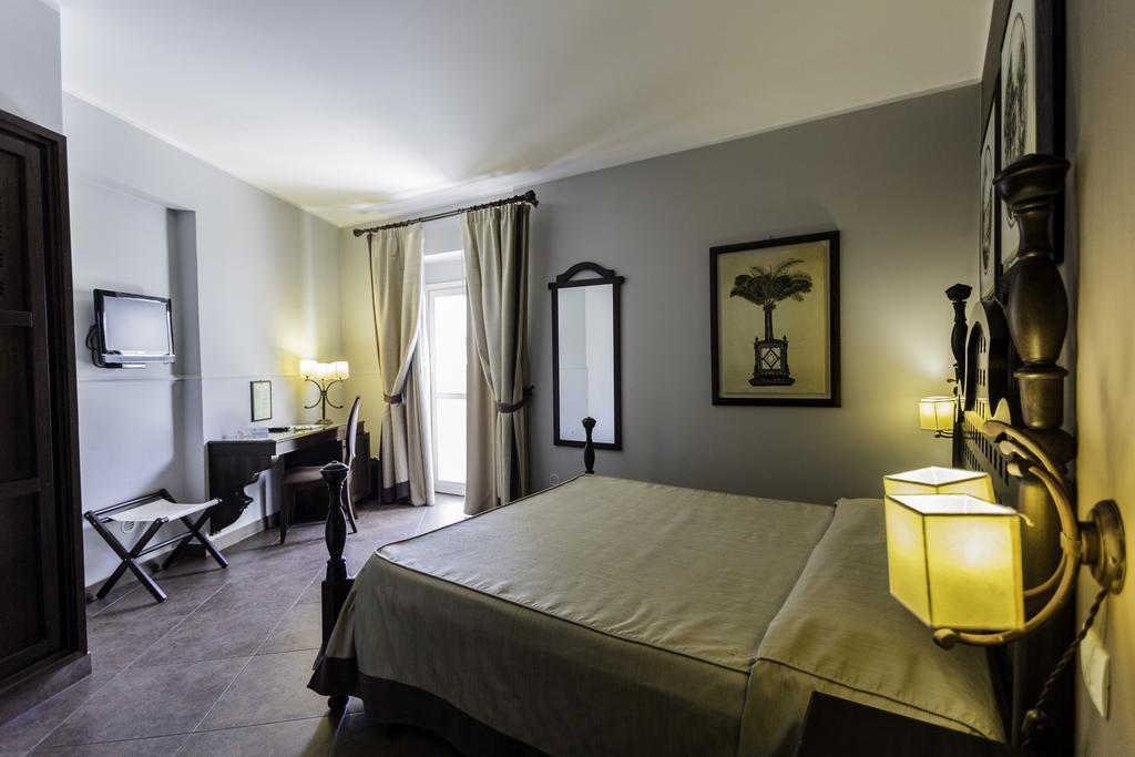 Отель Dei Coloniali (Siracusa) о. Сицилия