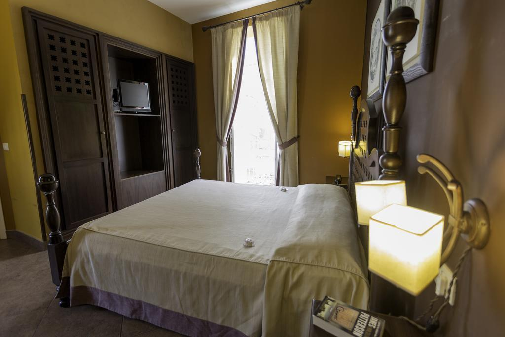 Отель Dei Coloniali (Siracusa) Италия о. Сицилия