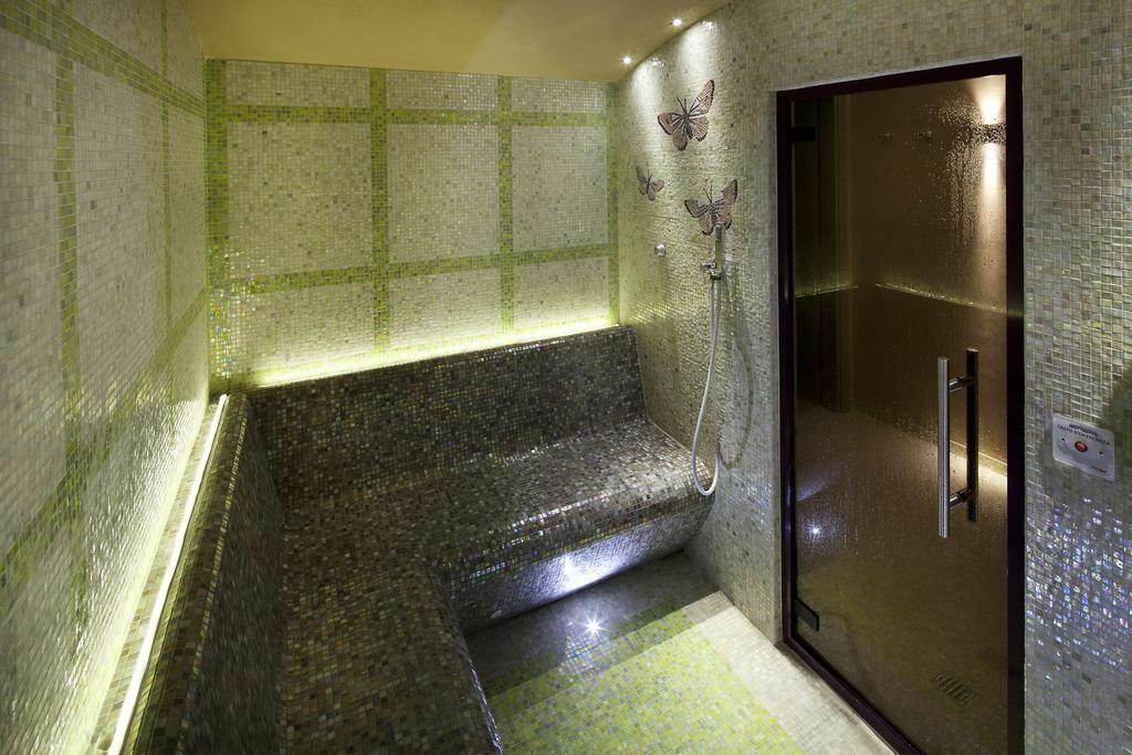 Palazzo Azarga Hotel Spa & Golf Resort оз. Гарда