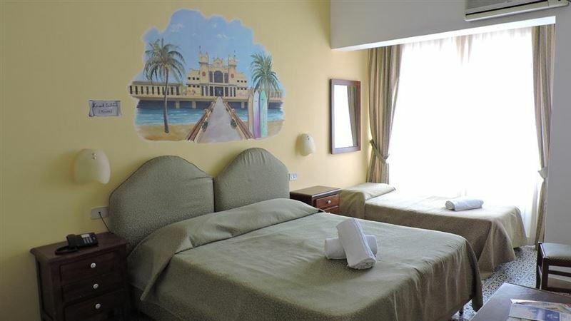 Elite Hotel Палермо