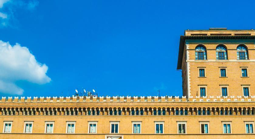 Отель Traiano Рим