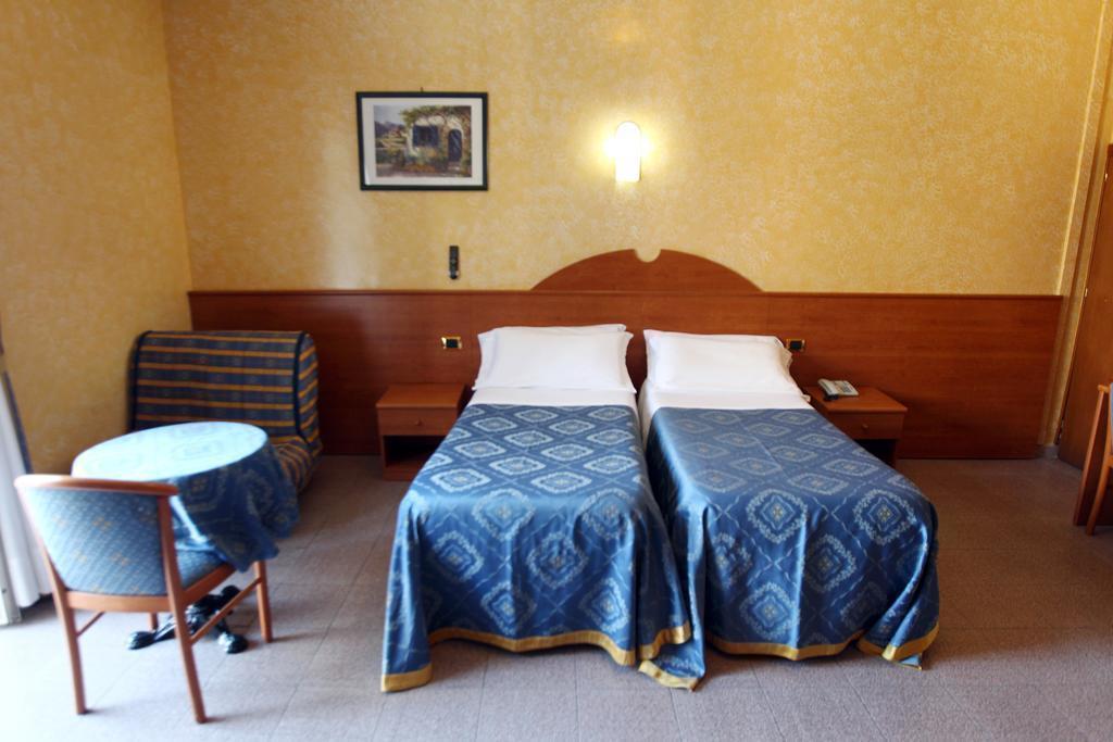 Отель Baltic Hotel Рим