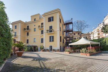Romoli 3*, Італія, Рим