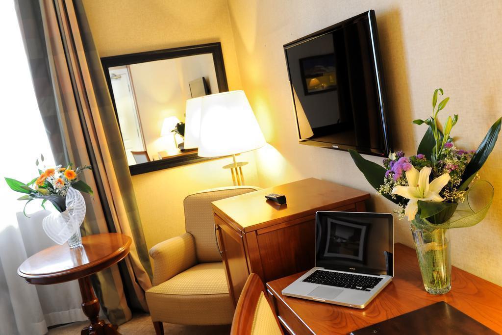 Отель Apogia Lloyd Rome Рим