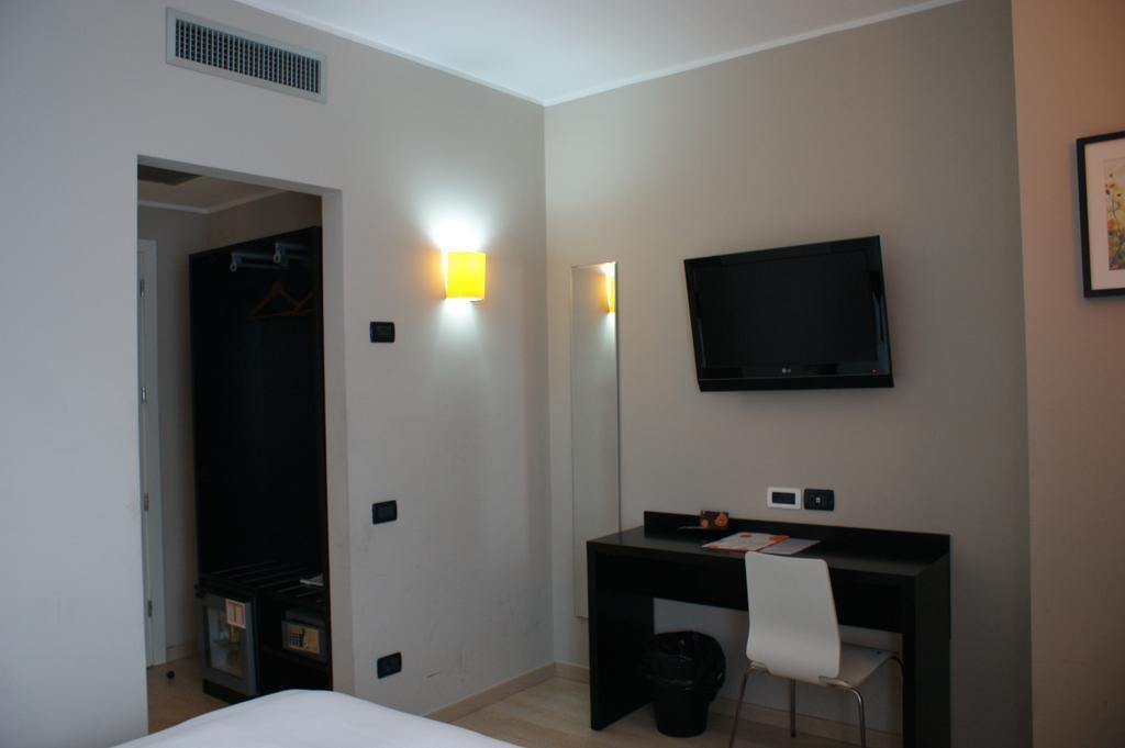 Отель Aniene Рим