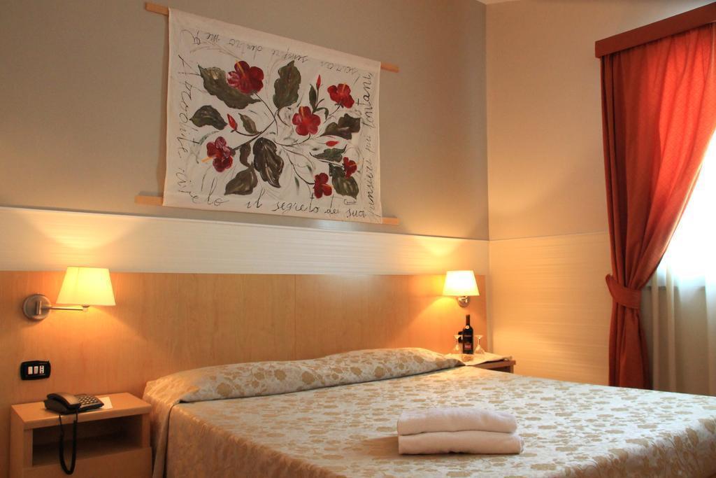 Отель Aphrodite Рим