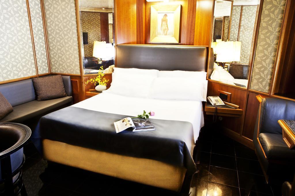 Отель Valadier Рим
