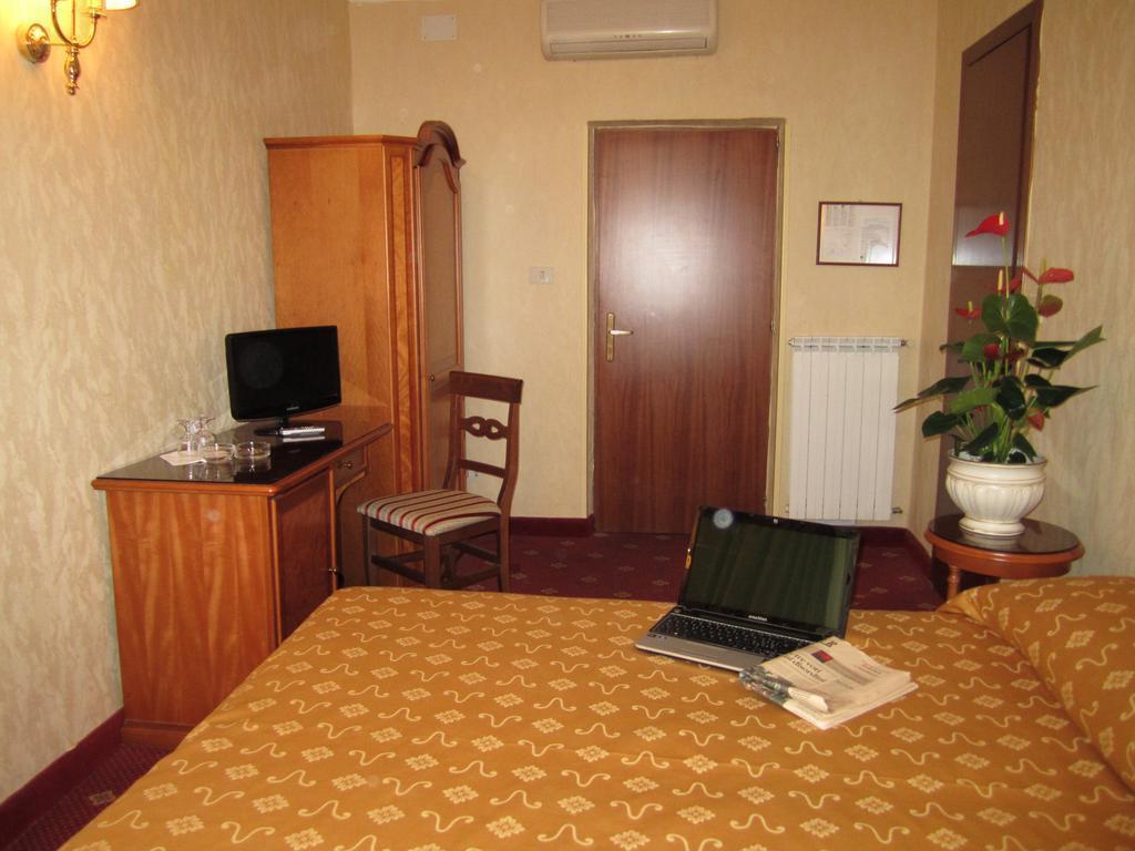 Отель Siviglia Рим
