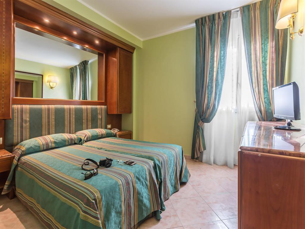 Отель Siracusa Италия Рим