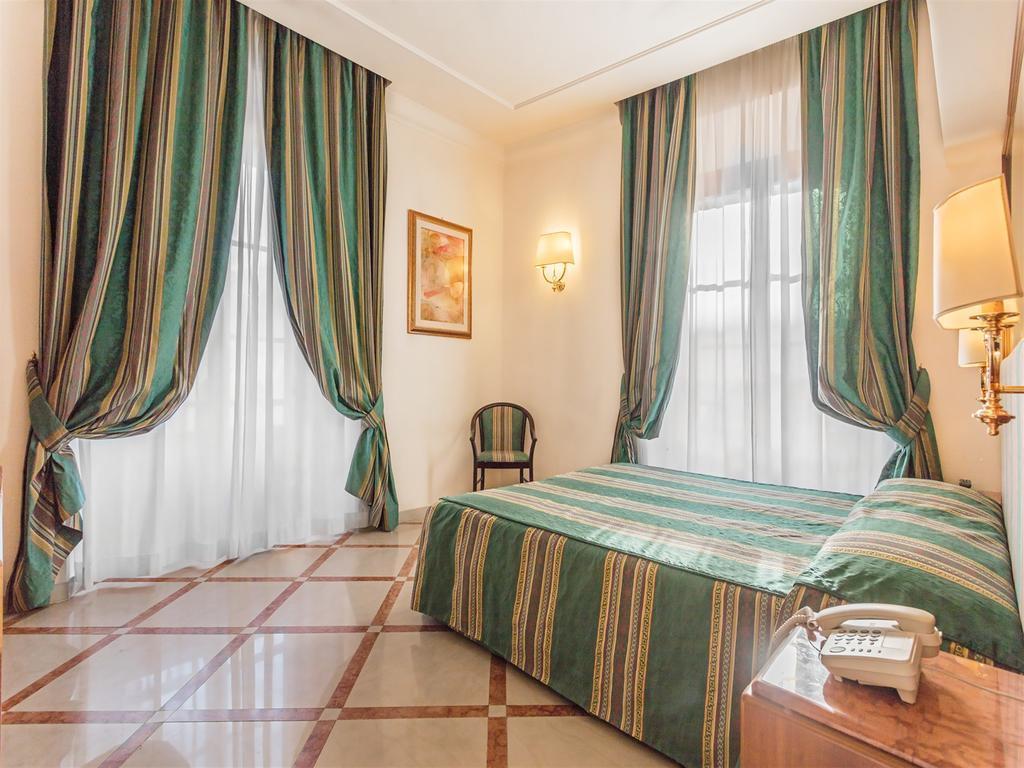 Отель Siracusa Рим
