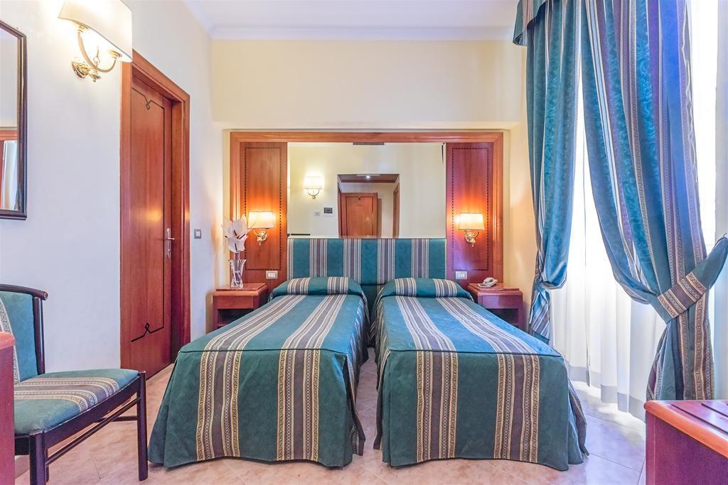 Отель Floridia Италия Рим