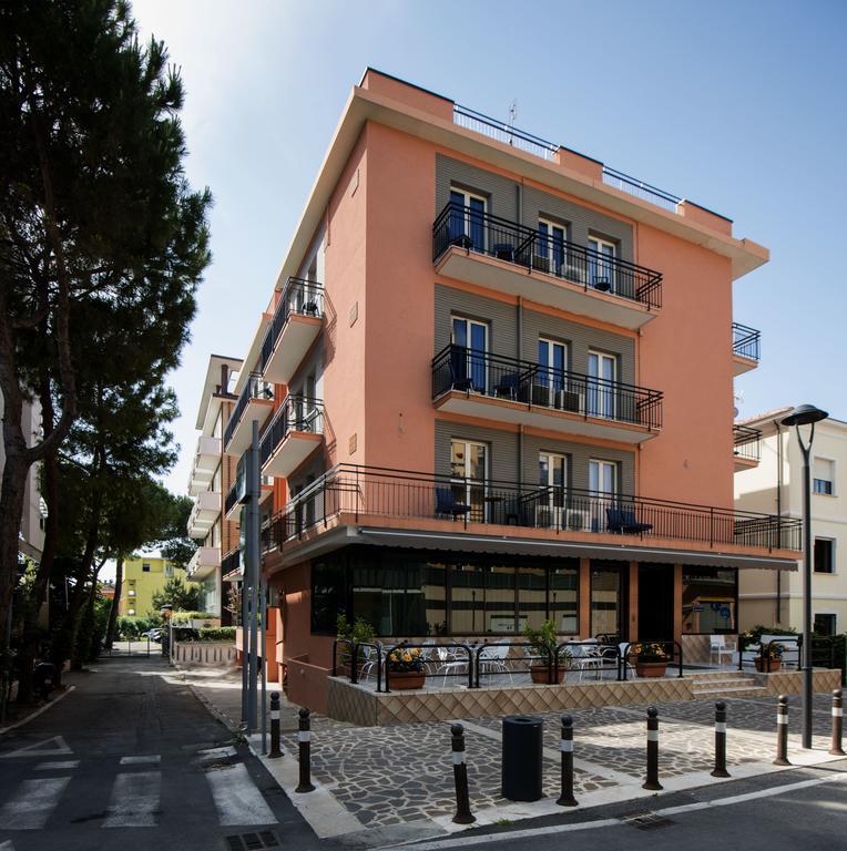 Hotel Scarlet Италия Римини