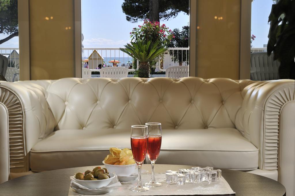 Grand Hotel La Playa Ривьера ди Улиссе